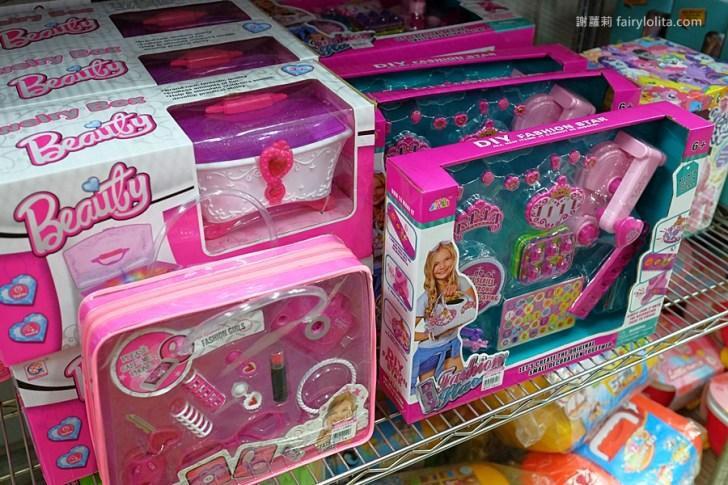 DSCF8690 - 熱血採訪│台中5千多種玩具任你挑, 整車塞滿滿挑對不用1千元,兒童節掃貨來亞細亞
