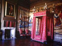 Cama de dossel restaurada de um dos quatros do palácio. Autor desconhecido.