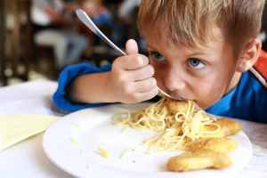 Read more about the article Kids Eat Free at Dozens of Restaurants Coast to Coast