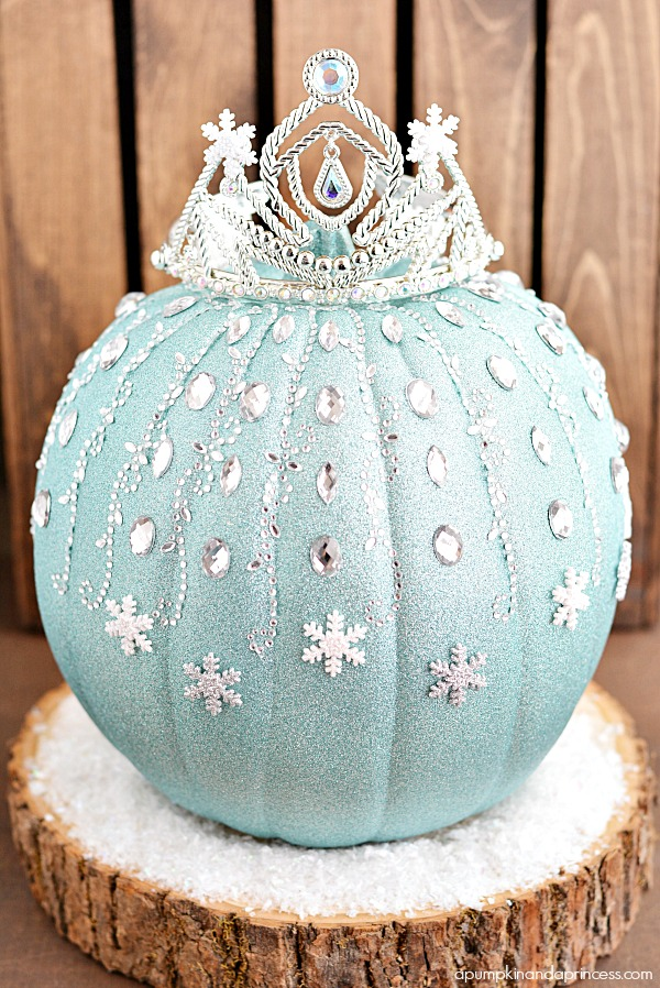 Frozen Elsa Pumpkin | Faith, Hope, Love, and Luck Survive Despite a Whiskered Accomplice