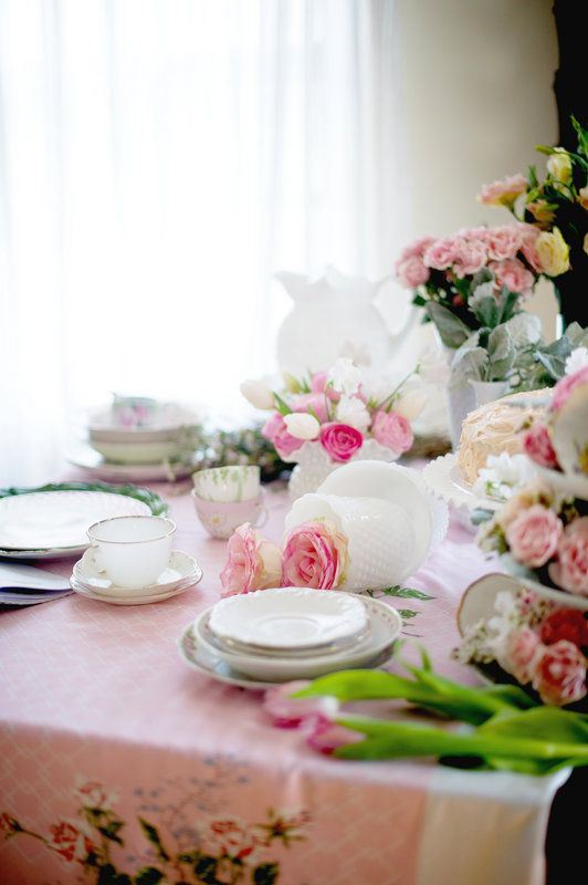 Valentine's Cake Tablescape - #YouSparkle Valentine's Day | Faith, Hope, Love, and Luck Survive Despite a Whiskered Accomplice