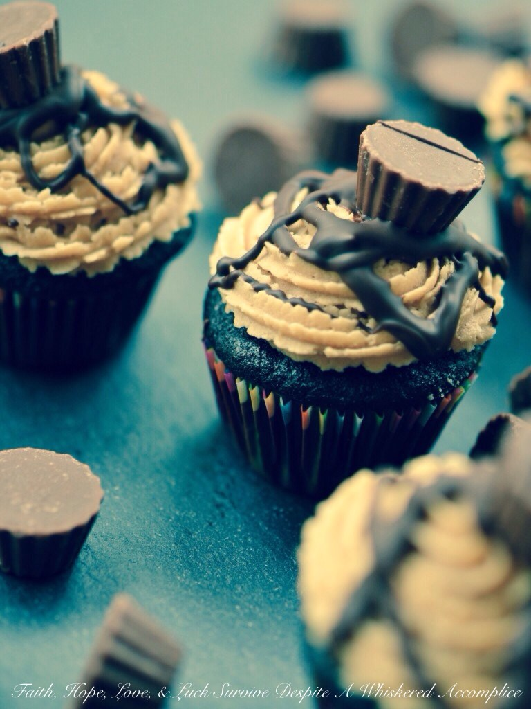 Reese's Minis Cupcakes | Faith, Hope, Love, and Luck Survive Despite a Whiskered Accomplice