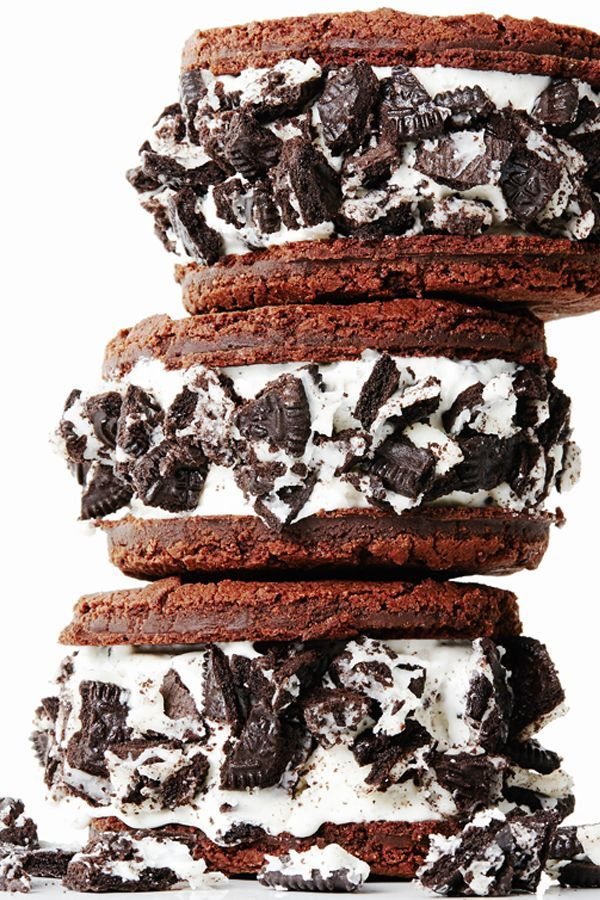 Homemade Oreo Ice Cream Sandwiches | Faith, Hope, Love, and Luck Survive Despite a Whiskered Accomplice