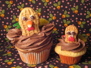 Thanksgiving Turkey Cupcakes | Faith, Hope, Love, and Luck Survive Despite a Whiskered Accomplice