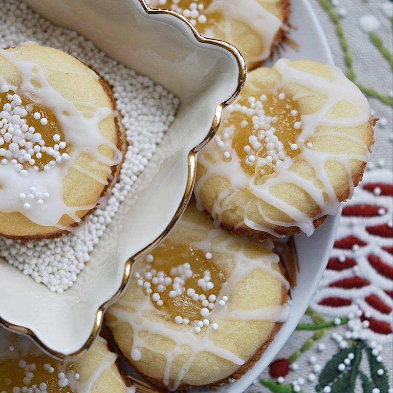 We're counting down the days until New Year's 2018 by sharing our best and favorite most mouth-watering dessert recipes of the year 2017.