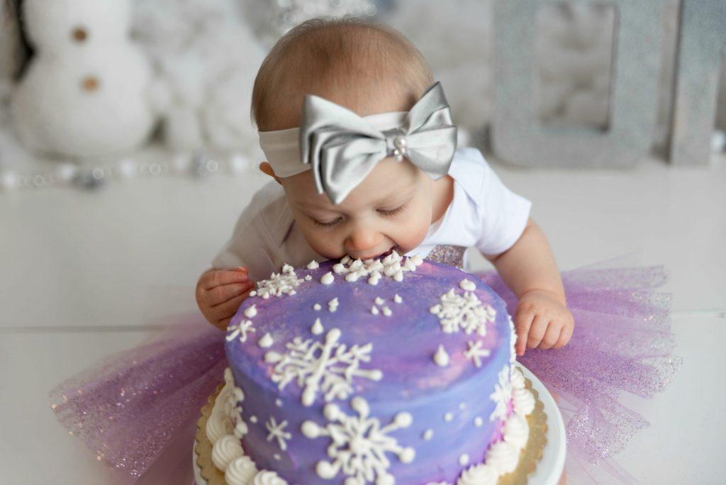 baby snowflake cake