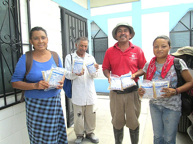 Families in Reynosa happy to receive a meal from Meal of Hope