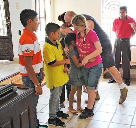 Dedicating a house for a family in Miguel Aleman