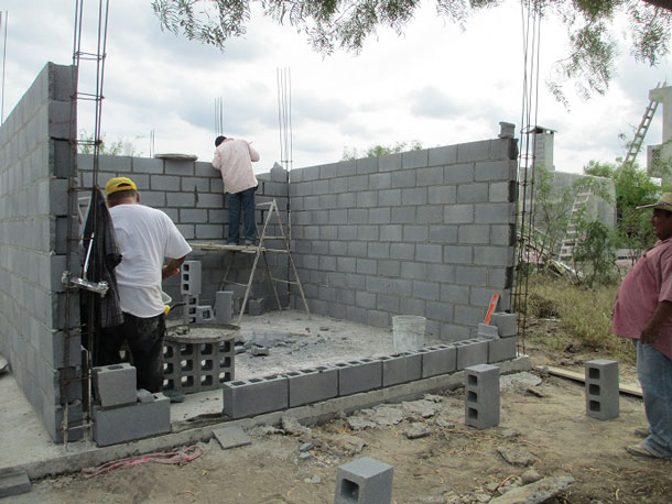 Building a house in Miguel Aleman