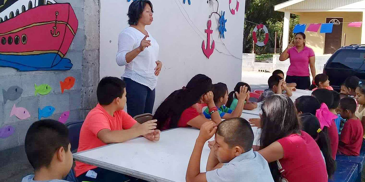 Kids learning a Bible lesson at Vacation Bible School in Guardados de Arriba