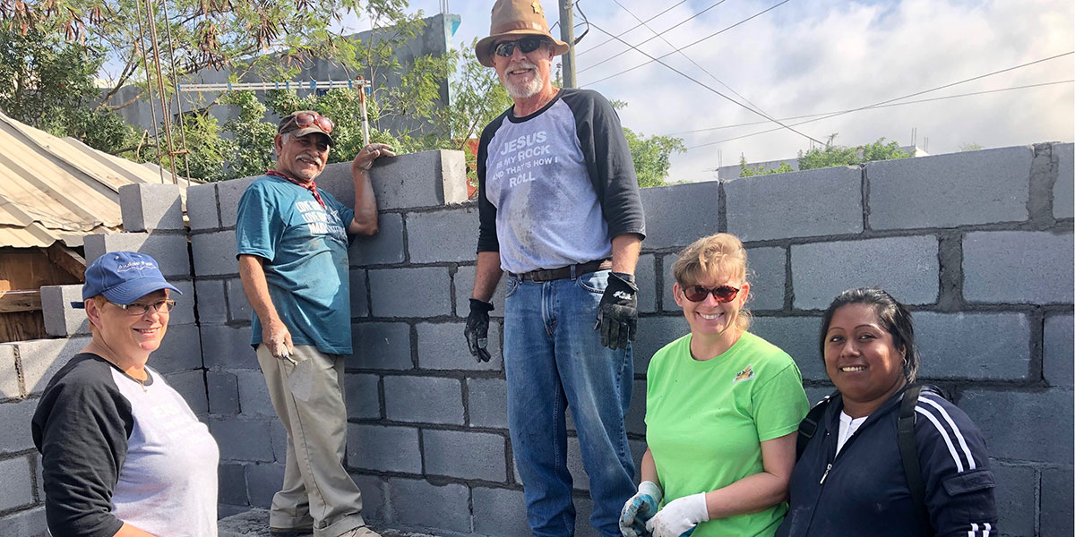 Friends from Brownsville building a house in Reynosa