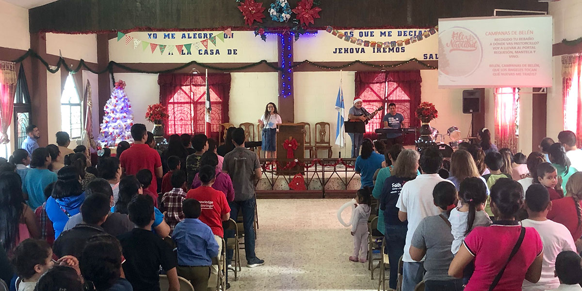 Singing at the Christmas fiesta in Reynosa