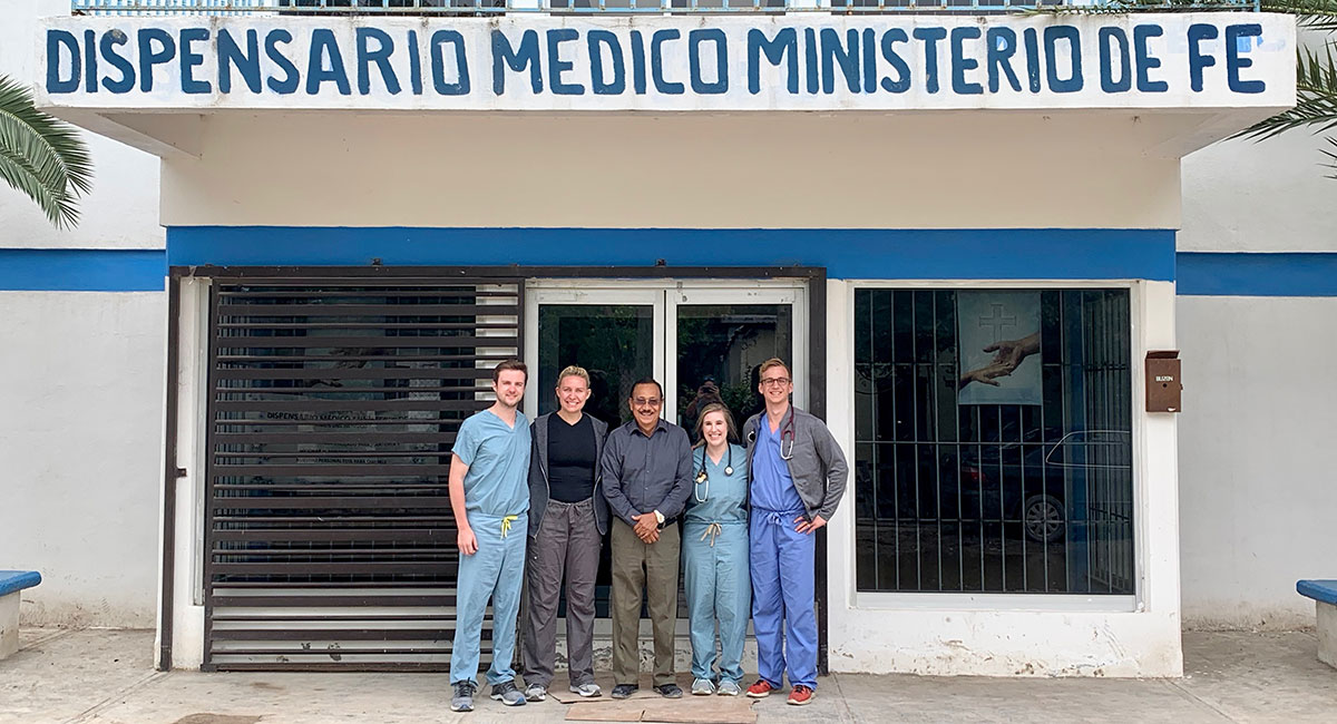 Medical students from South Carolina with Doctor Joaquin at the clinic in Reynosa