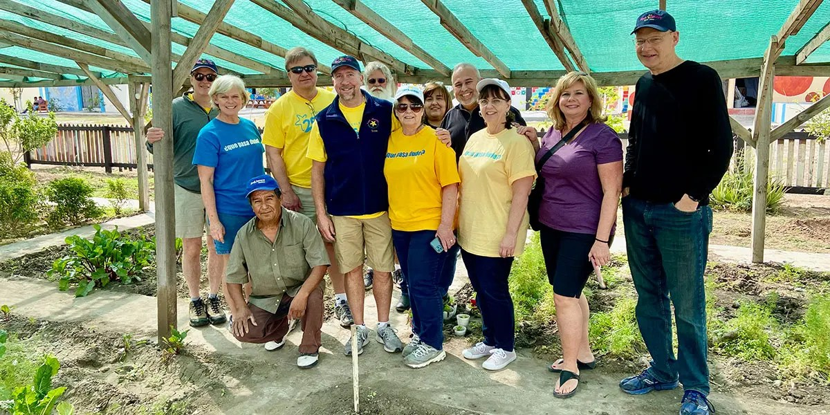 The Board of Directors at the garden in Naranjito