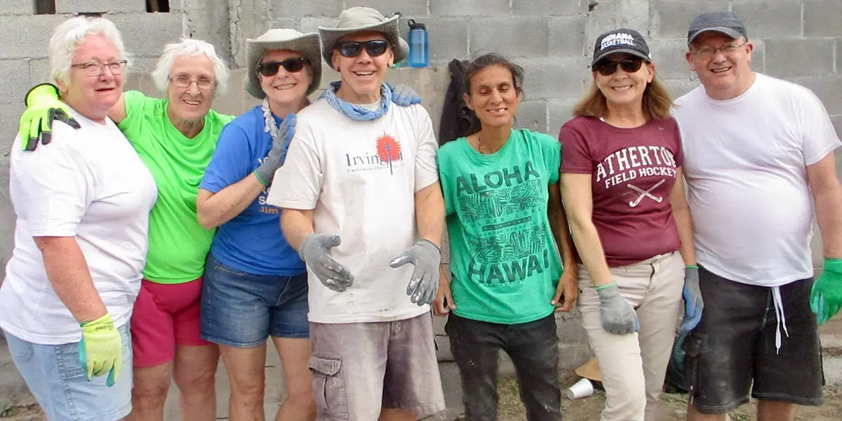 Friends from Indiana and Reynosa working together to build a house in Mexico