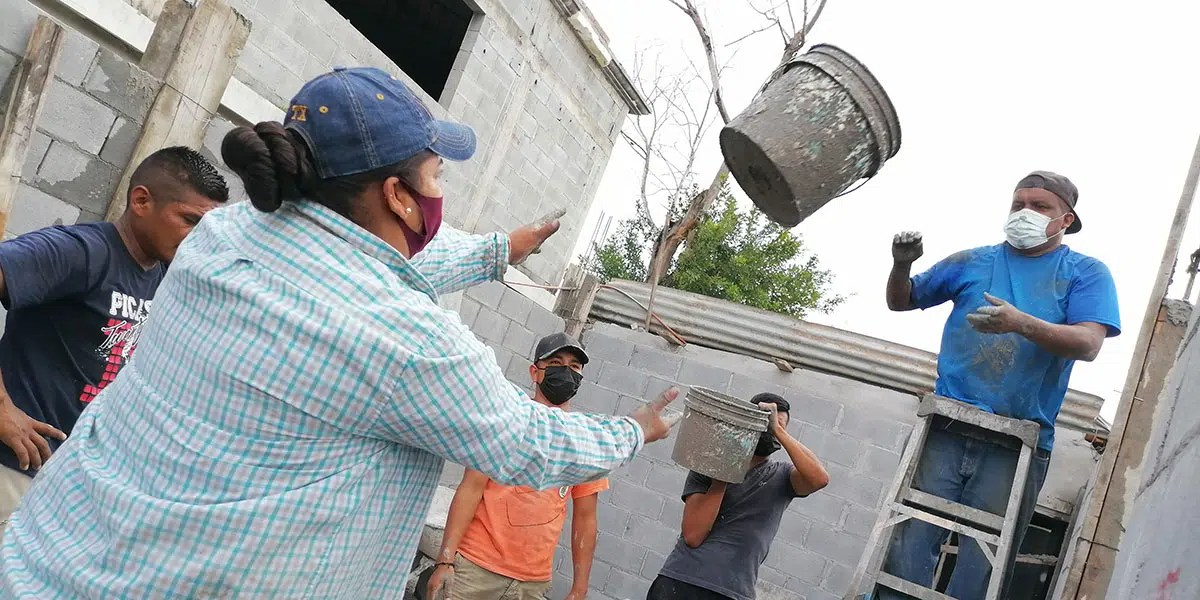 Our staff and volunteers pouring the columns of Casa 7 in Reynosa Mexico