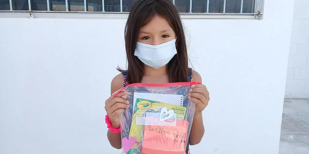 The kids with their activity bags at the nutrition program in Reynosa Mexico