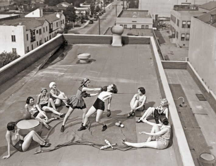 Women boxing on a roof in LA (1933).