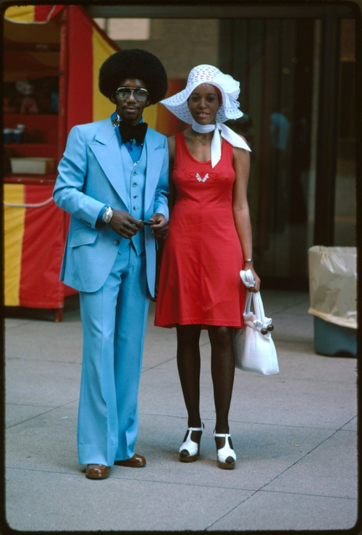 A couple on Michigan Avenue in Chicago (1975).