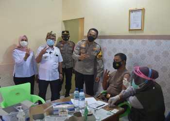 Hari Ketiga, Sudah 899 Anggota Polresta Cirebon Disuntik Vaksin