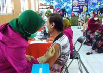 Vaksinasi Untuk Lansia Mulai Digelar