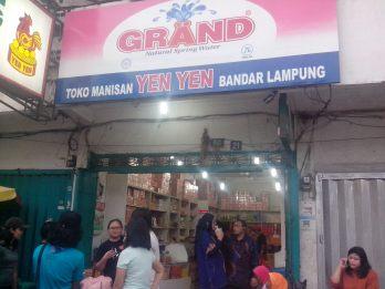Tampak Depan Toko Yen Yen Bandar Lampung