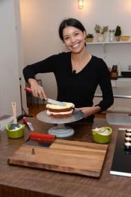 nő főz