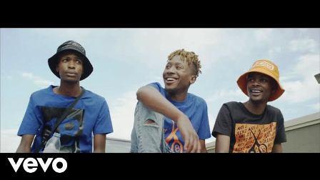 Semi Tee Ft. Miano, Kammu Dee - Labantwana Ama Uber Video Fakaza Mp3