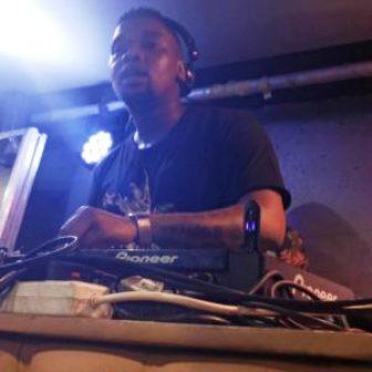 De Mthuda Ft. Njelic – Bashokhona Mp3 Download