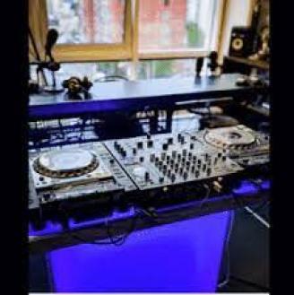 Tau – Amapiano Mix 2021 Ft. Semi Tee, Mdu aka TRP, Musa Keys, Felo lee Tee, Mr JazziQ, Boohle & AfroToniQ