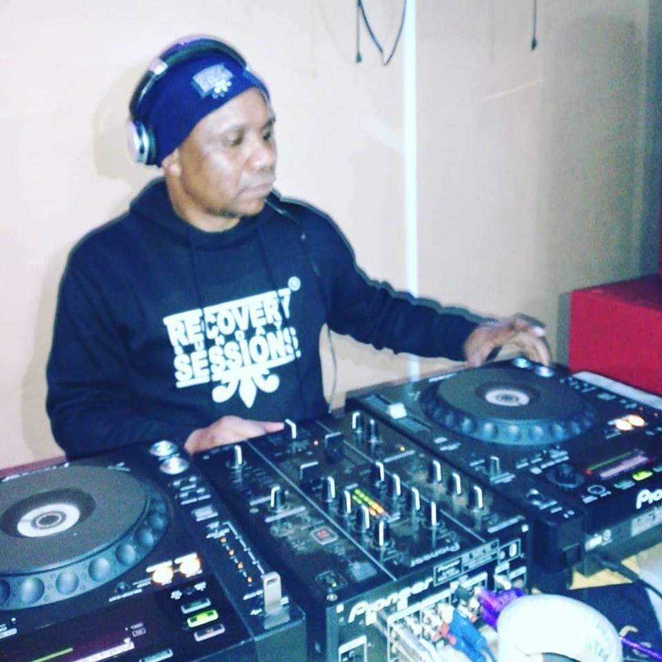 Dj Malebza – House Music According To Kquesol