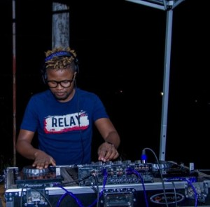DJ R-Voonah Liphi Ipiano ft. MegaDrumz & Mangoli Mp3 Download