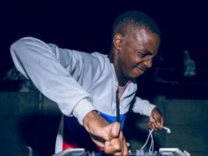 Dj Toolz If Gqom Were Hunans ft. Mr Thela Mp3 Download