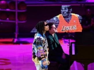 "Wiz Khalifa & Charlie Puth Perform ""See You Again"" to Honor Kobe Bryant"