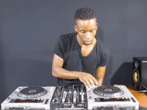 Romeo Makota – Amapiano Mix 15th March 2020