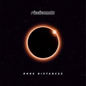ALBUM: riccicomoto – Huge Distances 'LP'
