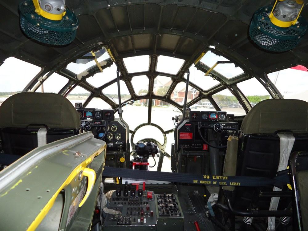 Inside the B-29 (2/4)