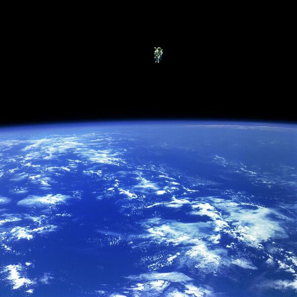 NASA tweets real 'Gravity' space pics