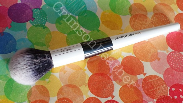 Revolution-Pro-Pointed-Fluffy-Brush-1