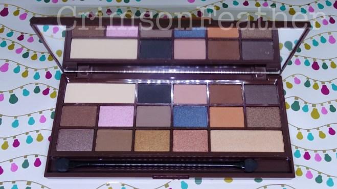 I-Heart-Revolution-Salted-Caramel-Chocolate-Palette-Inside