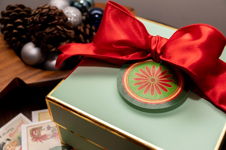 Tutorial and free Christmas Gift Tag Printable