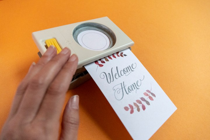 Free Printable for Housewarming Gifts, Welcome Home Wine Bottle Tag