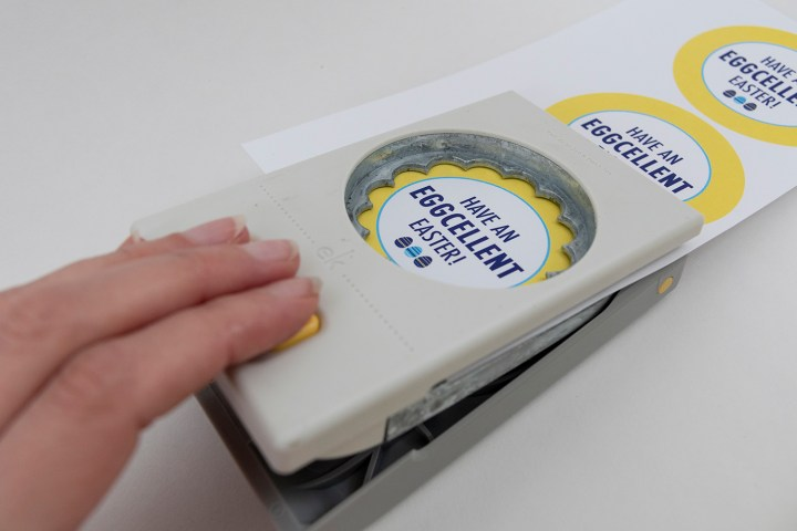 Scalloped Circle Craft Punch