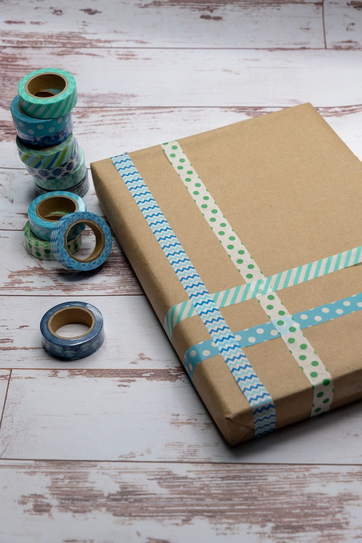 Gift Wrapping Idea Using Blue Washi Tape