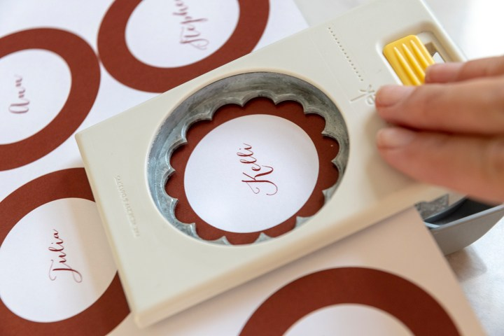 Free Printable Scalloped Place Cards
