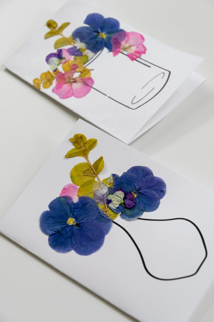 How to Make a Card with Pressed Flowers
