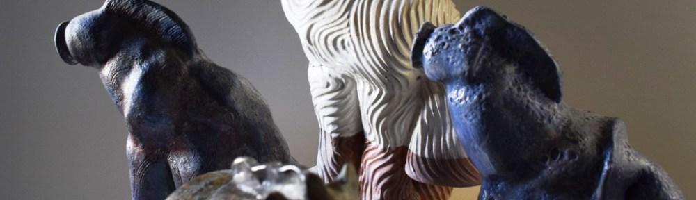 Пластика на кон за декорацич на интериор