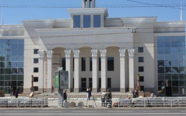 """Ремонтными работами возле кинотеатра """"Украина"""" в Херсоне заинтересовались правоохранители"""