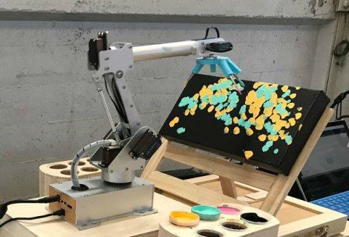 RobotArt — конкурс, в рамках которого роботы и искусственный интеллект конкурировать в создании произведений искусства