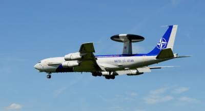 Авиация НАТО устроила разведку у границы с Россией